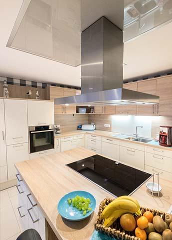 Küchendecke renovieren mit Spanndecken von PLAMECO in Siegburg