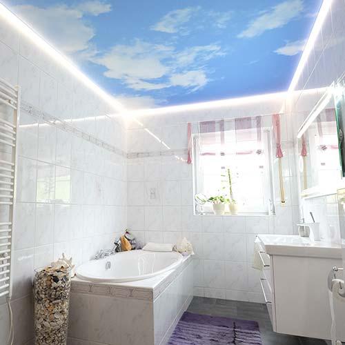 PLAMECO Fotodecke mit Wolkendecke im Badezimmer