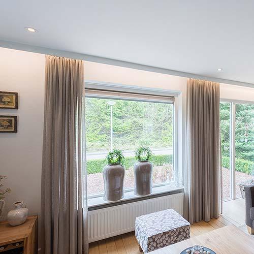 Vorschau Wohnzimmerdecke in Weiß - helle Wohnzimmerdecke von PLAMECO RheinSieg
