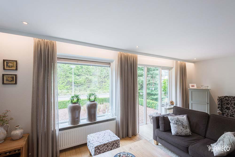 herrlich helle wohnzimmerdecke mit led beleuchtung. Black Bedroom Furniture Sets. Home Design Ideas