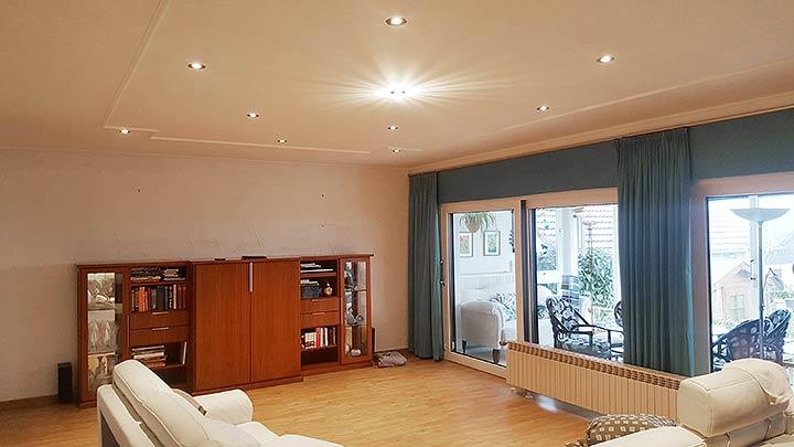 Spanndecke Lohmar - Wohnzimmerdecke schnell renoviert von PLAMECO Fachbetrieb Gregor Blechinger