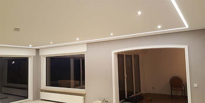 Spanndecke mit LED-Beleuchtung